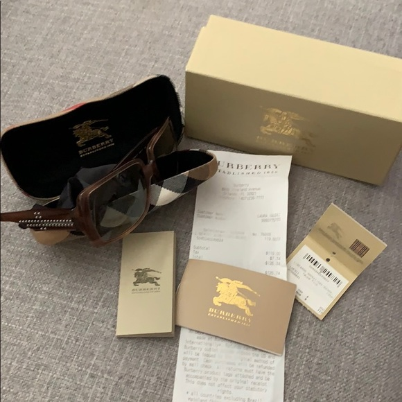 Burberry Accessories - Burberry Glasses